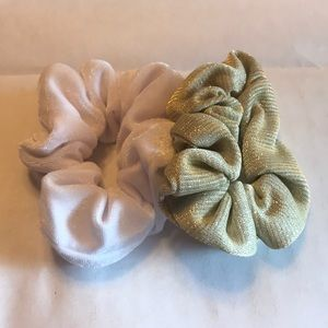 Accessories - Set of 2 Scrunchies - NWOT ✨
